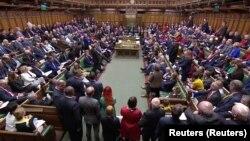 Ukoliko amandman bude usvojen postoje šanse za Bregzit 31. oktobra. Potrebno je da Parlament na vreme izglasa Predlog zakona o povlačenju koji Vlada namerava da predstavi početkom sledeće sedmice.