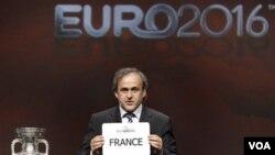 Michael Platini mengimbau agar menteri olahrada UE melindungi sepakbola dari mafia pertandingan (foto:dok).