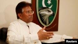 Ông Pervez Musharraf, cựu tổng thống Pakistan nói chuyện trong một cuộc phỏng vấn do Reuters thực hiện năm 2012
