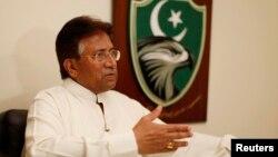 Mantan Presiden Pakistan Pervez Musharraf dalam wawancara dengan Reuters di Dubai (foto: dok).