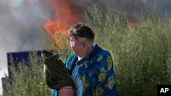 Požar nakon napada u Slavjansku