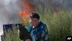 امروز در حالی که آتش بس میان دولت اوکراین و جدایی طلبان شرق هنوز به قوت خود باقی بود، شهر اسلاویانسک در ایالت دونتسک بمباران شد.