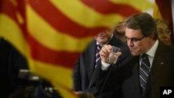 Nhà lãnh đạo Phe Chủ nghĩa dân tộc (CIU) Artur Mas.