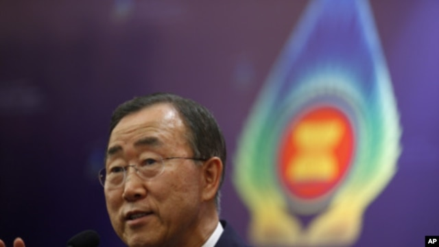 United Nations Secretary General Ban Ki-moon talks at a news conference during the East Asia Summit in Nusa Dua, Bali November 19, 2011.