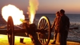 Re-enactors in 2011 fire mortars towards Fort Sumter, to mark the first shots of the Civil War fired 150 years ago in Charleston.
