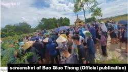Quân nhân Trần Đức Đô được an táng tại nghĩa trang quê nhà ở Từ Sơn, Bắc Ninh, 1/7/2021.