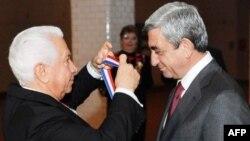 Հայաստանի նախագահը պարգևատրվել է Էլլիս կղզու մեդալով
