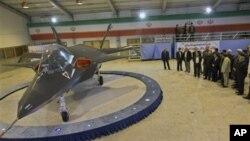 ایران می گوید جت جنگنده قاهر ۳۱۳ را طراحی کرده و ساخته است.