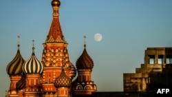 Cathédrale Saint-Basile sur la place rouge à Moscou, 28 mai 2018.