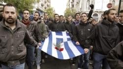 نبردهای خيابانی در سالگرد قيام دانشجويی در يونان