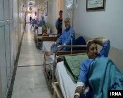 کمبود تخت در یکی از بیمارستانهای ایران