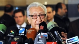 International peace envoy Lakhdar Brahimi gives a press conference at a Damascus hotel on December 27, 2012.