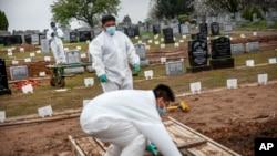 Virus Outbreak US Deaths