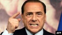 İtalya Başbakanına Fuhuş Soruşturması