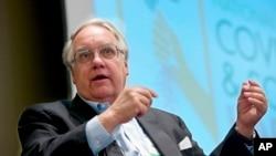 FILE - Philanthropist Howard Buffett, son of investor Warren Buffett, speaks in Omaha, Neb., Feb. 2014.