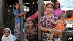 29일 버마 난민촌의 로힝야족 이슬람 난민들. (자료사진)