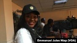 """Guilène Njimoluh Chapuis, coordonnatrice de la plateforme """"Brigade des patriotes camerounais"""", résidant à l'étranger, à Yaoundé, au Cameroun, le 17 février 2019. (VOA/Emmanuel Jules Ntap)"""