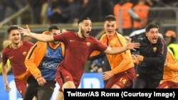 The players are jubilant after their 3-0 win against FC Barcelona in the second leg of the Champions League quarter-final, Rome, Italy, April 10, 2018.