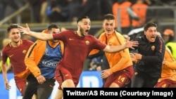 Les joueurs romains jubilent après leur contre le FC Barcelone en match retour de quarts de finale de la Ligue des champions, Rome, Italie, 10 avril 2018. (Twitter/AS Roma)