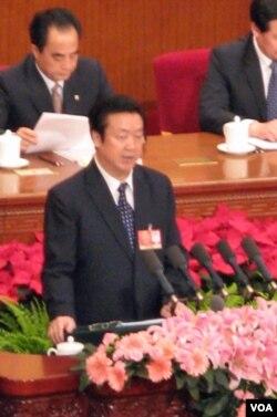 2010年最高人民法院院长王胜俊做工作报告(美国之音张楠拍摄)