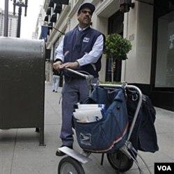 Dinas layanan pos Amerika harus mem-PHK sekitar 100.000 pegawai agar bisa terus bertahan.