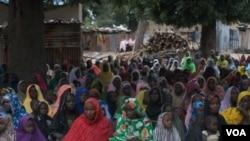 Wasu mata da yaransu da suka rasa mazajensu a jihar Borno