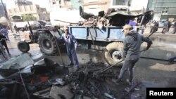 Hiện trường ở thành phố Karbala sau vụ nổ, ngày 29/11/2012.