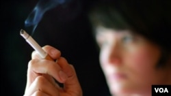 Asosiasi Kedokteran Inggris mendesak aturan lebih ketat untuk melindungi anak-anak beresiko menjadi perokok pasif.