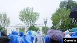 Los manifestantes marcharon también frente a la Casa Blanca y las oficinas del Congreso.