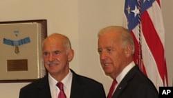 Ο έλληνας Πρωθυπουργός Γιώργος Παπανδρέου με τον Αντιπρόεδρο των ΗΠΑ Τζο Μπάιντεν