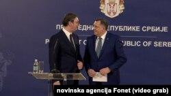 Predsednik Aleksandar Vučić sa predsedavajućim Predsedništva BiH Miloradom Dodikom, Foto: video grab