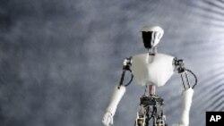 ร้านอาหารในเมืองจีนเริ่มใช้หุ่นยนต์บริการลูกค้า