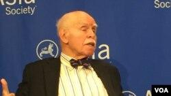 紐約大學法學院教授孔傑榮(美國之音方冰拍攝)