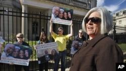 Judy Gross agradeció la intervención de los senadores para lograr la liberación de su esposo, quien se encuentra mal de salud.