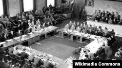Hội nghị Genève khai mạc ngày 8/5/1954 tại Thụy Sĩ.