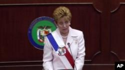 Mireya Moscoso fue la primera mujer en ejercer la presidencia de Panamá.