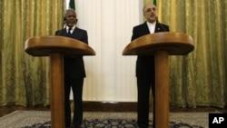Međunarodni izaslanik za Siriju Kof Anan i iranski šef diplomatije Ali Akbar Salehi na konferenciji za novinare u Teheranu