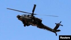 이집트 동북부 시나이 반도 상공을 비행중인 이집트 헬기