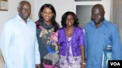 """Em família. José Eduardo dos Santos, a primeira dama Ana Paula dos Santos, Avelina Escórcio dos Santos (sobrinha do presidente) e o seu esposo, o general Bento dos Santos """"Kangamba""""."""