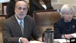 Bernanke: Središnja banka još uvijek ima načina za stimuliranje gospodarstva