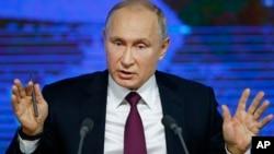 Tổng thống Nga Putin trong cuộc họp báo hôm 20/12.