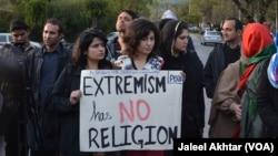 Lahor'da Hristiyanlara yönelik terör saldırısını protesto eden göstericiler