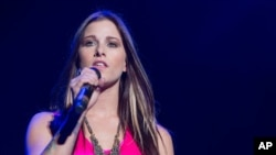 Cassadee Pope performing in Irvine, California last month.