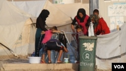 Shutting down international flights to the Kurdistan Region will have a direct negative impact on 1.6 million refugees and displaced people in the region, Sept. 28, 2017 in Hassan Sham, Kurdistan Region, Iraq. (H.Murdock/VOA)