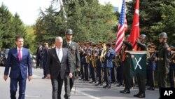 Wezîrê berevaniya Amerîka James Mattis û wezîrê berevaniya Tirkiyê Nurettin Canikli