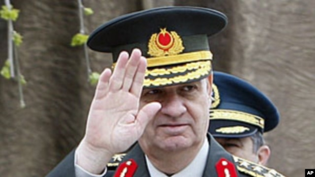 Turkey's former Chief of Staff Gen. Ilker Basbug (file photo)