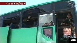 Xe buýt bị hư hỏng sau vụ phục kích gần biên giới Ai Cập, ngày 18/8/2011