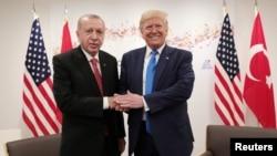 თურქეთის პრეზიდენტი რეჯებ ტაიპ ერდოღანი და აშშ-ის პრეზიდენტი დონალდ ტრამპი, 29 ივნისი, 2019 წელი, ოსაკა, იაპონია