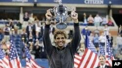 Rafael Nadal se coronó campeón del torneo de tenis más importante de Estados Unidos al vencer al serbio Novak Djokovic.
