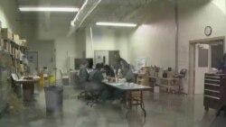 Затвореници преку работа со книги се подговтуваат за враќање на животот